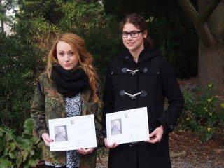 Die Preisträgerinnen des Wettbewerbs Philosophischer Essay 2013 Anna Spener und Mijka Ghorbani (rechts) (Foto: C.Scholz/SMMP)
