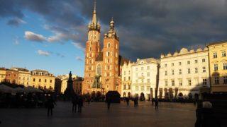 Der Hauptmarkt in Krakau mit der Marienkirche (Foto: Lause/SMMP)