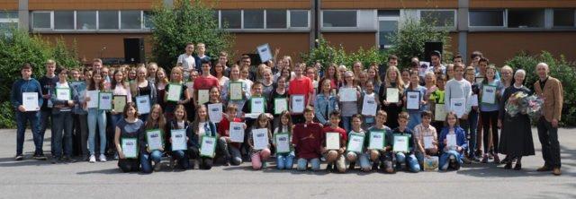 Gruppenfoto aller Ausgezeichneten bei der Ehrungsfeier. (Foto: C. Scholz/SMMP)