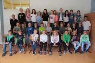 Die zukünftige Klasse 5a mit ihrem Klassenlehrer-Team Block/Wibbeke (Foto: C. Scholz/SMMP)