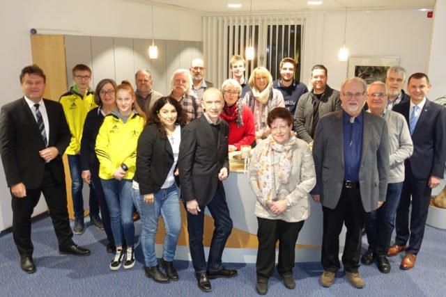 Die Vertreter der geförderten Vereine und Institutionen mit Herrn Pätzold (1.v.l.). (Foto:Lügger/SMMP)
